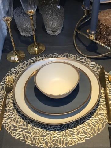 Mat creme servies met gouden rand (NIEUW!)