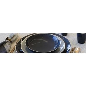 Geglazuurd antraciet servies met witte rand