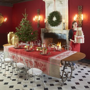 Kerstkleden is 2 verschillende kleuren en verschillende afmetingen